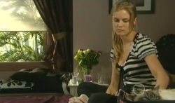 Elle Robinson in Neighbours Episode 5750