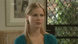 Elle Robinson in Neighbours Episode 5751