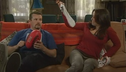 Toadie Rebecchi, Libby Kennedy in Neighbours Episode 5754