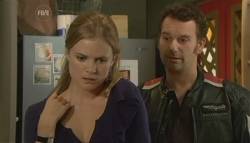 Elle Robinson, Lucas Fitzgerald in Neighbours Episode 5754