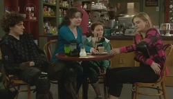 Harry Ramsay, Kate Ramsay, Sophie Ramsay, Elle Robinson in Neighbours Episode 5755