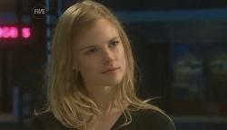 Elle Robinson in Neighbours Episode 5755