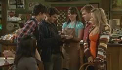 Sunny Lee, Zeke Kinski, Declan Napier, Kate Ramsay, Ringo Brown, Donna Freedman in Neighbours Episode 5756