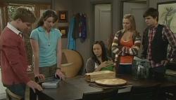 Ringo Brown, Kate Ramsay, Sunny Lee, Donna Freedman, Zeke Kinski in Neighbours Episode 5756