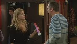 Elle Robinson, Karl Kennedy in Neighbours Episode 5756