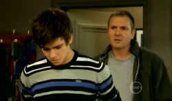 Zeke Kinski, Karl Kennedy in Neighbours Episode 5764