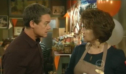 Paul Robinson, Lyn Scully in Neighbours Episode 5785