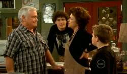 Lou Carpenter, Harry Ramsay, Lyn Scully, Callum Jones in Neighbours Episode 5794