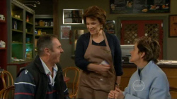 Karl Kennedy, Lyn Scully, Susan Kennedy in Neighbours Episode 5795