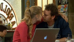 Elle Robinson, Lucas Fitzgerald in Neighbours Episode 5798