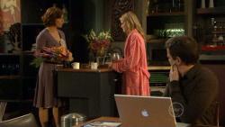 Rebecca Napier, Elle Robinson, Paul Robinson in Neighbours Episode 5798