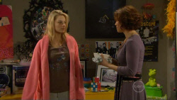 Donna Freedman, Rebecca Napier in Neighbours Episode 5798