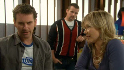 Lucas Fitzgerald, Toadie Rebecchi, Steph Scully in Neighbours Episode 5799