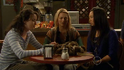 Kate Ramsay, Donna Freedman, Sunny Lee in Neighbours Episode 5802