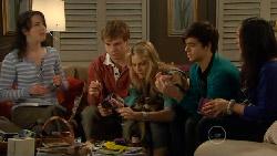 Kate Ramsay, Ringo Brown, Donna Freedman, Zeke Kinski, Sunny Lee in Neighbours Episode 5802