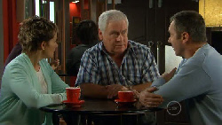 Susan Kennedy, Lou Carpenter, Karl Kennedy in Neighbours Episode 5802