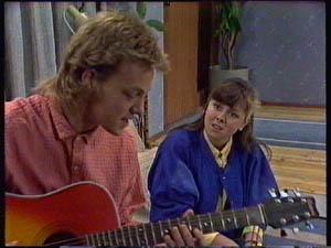 Scott Robinson, Nikki Dennison in Neighbours Episode 0376