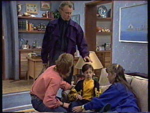 Jim Robinson, Scott Robinson, Lucy Robinson, Nikki Dennison in Neighbours Episode 0376