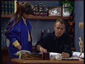 Nikki Dennison, Jim Robinson in Neighbours Episode 0376