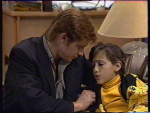 Clive Gibbons, Lucy Robinson in Neighbours Episode 0376