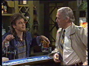 Shane Ramsay, Ray Murphy in Neighbours Episode 0377