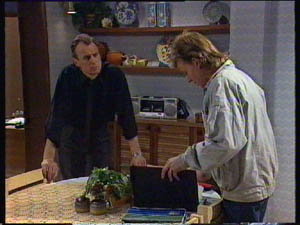 Jim Robinson, Scott Robinson in Neighbours Episode 0377