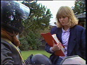 Jane Harris in Neighbours Episode 0377