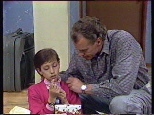 Jim Robinson, Lucy Robinson in Neighbours Episode 0377