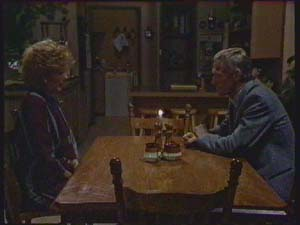 Madge Mitchell, Ray Murphy in Neighbours Episode 0379
