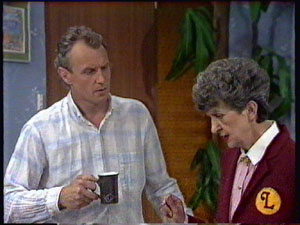 Jim Robinson, Nell Mangel in Neighbours Episode 0380