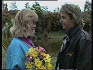 Jane Harris, Shane Ramsay in Neighbours Episode 0381