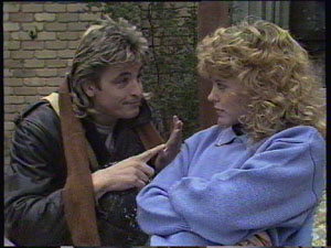 Charlene Mitchell, Shane Ramsay in Neighbours Episode 0382