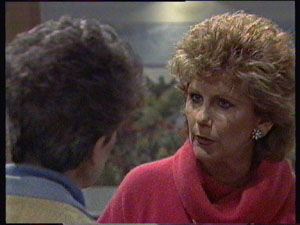 Nell Mangel, Madge Mitchell in Neighbours Episode 0382