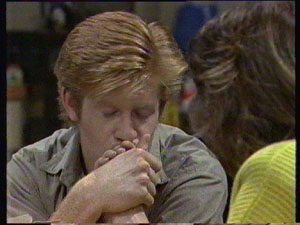 Clive Gibbons, Susan Cole in Neighbours Episode 0382