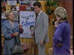 Eileen Clarke, Des Clarke, Daphne Clarke in Neighbours Episode 0383