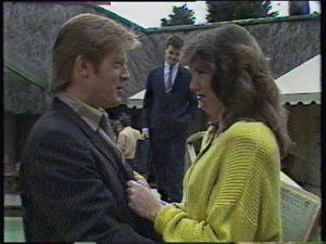 Clive Gibbons, Paul Robinson, Susan Cole in Neighbours Episode 0383