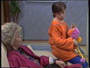 Helen Daniels, Lucy Robinson in Neighbours Episode 0383