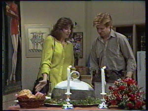Susan Cole, Clive Gibbons in Neighbours Episode 0383