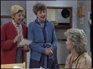 Eileen Clarke, Helen Daniels, Nell Mangel in Neighbours Episode 0384