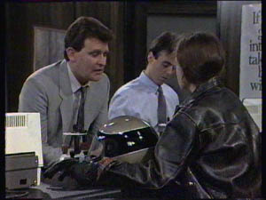 Des Clarke, Kelly Morgan in Neighbours Episode 0384