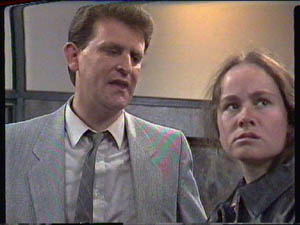 Des Clarke, Kelly Morgan in Neighbours Episode 0385