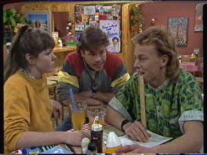 Nikki Dennison, Mike Young, Scott Robinson in Neighbours Episode 0385