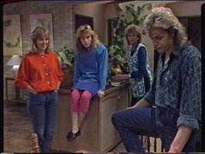 Jane Harris, Charlene Mitchell, Madge Bishop, Shane Ramsay in Neighbours Episode 0385