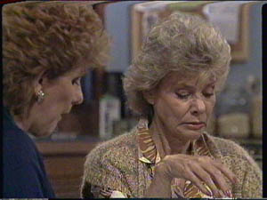 Madge Bishop, Helen Daniels in Neighbours Episode 0386