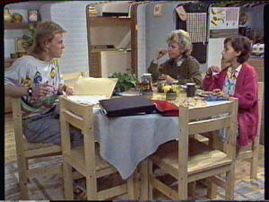 Scott Robinson, Helen Daniels, Lucy Robinson in Neighbours Episode 0386