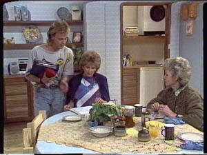 Scott Robinson, Madge Bishop, Helen Daniels in Neighbours Episode 0386