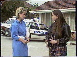 Daphne Clarke, Kelly Morgan in Neighbours Episode 0386