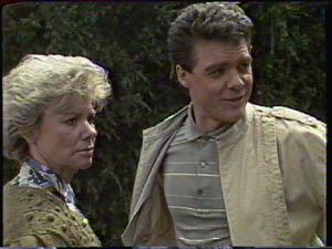 Paul Robinson, Helen Daniels in Neighbours Episode 0386