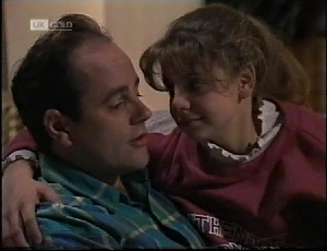 Philip Martin, Hannah Martin in Neighbours Episode 2183
