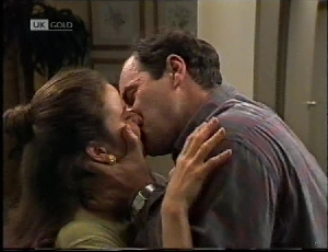Philip Martin, Julie Robinson in Neighbours Episode 2183